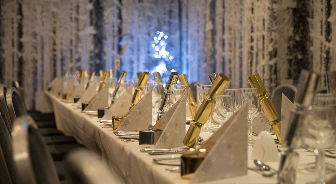 Table setting for a Christmas Party night
