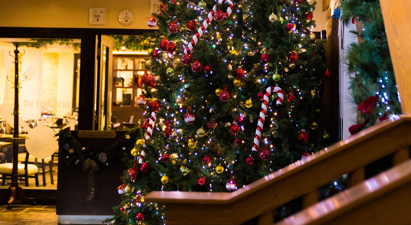 Christmas Treasures (Across Three Traditional Eves)